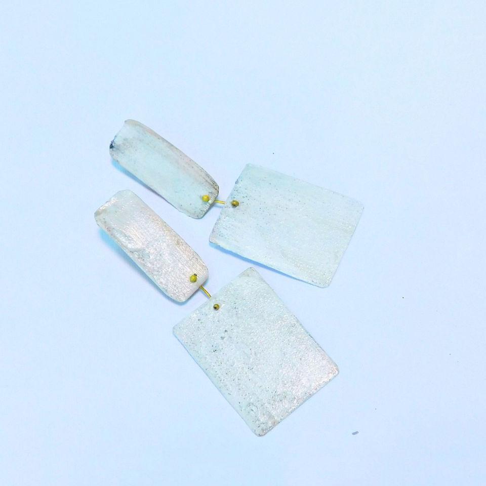 Dora-Charalambaki-earrings-e1028-white