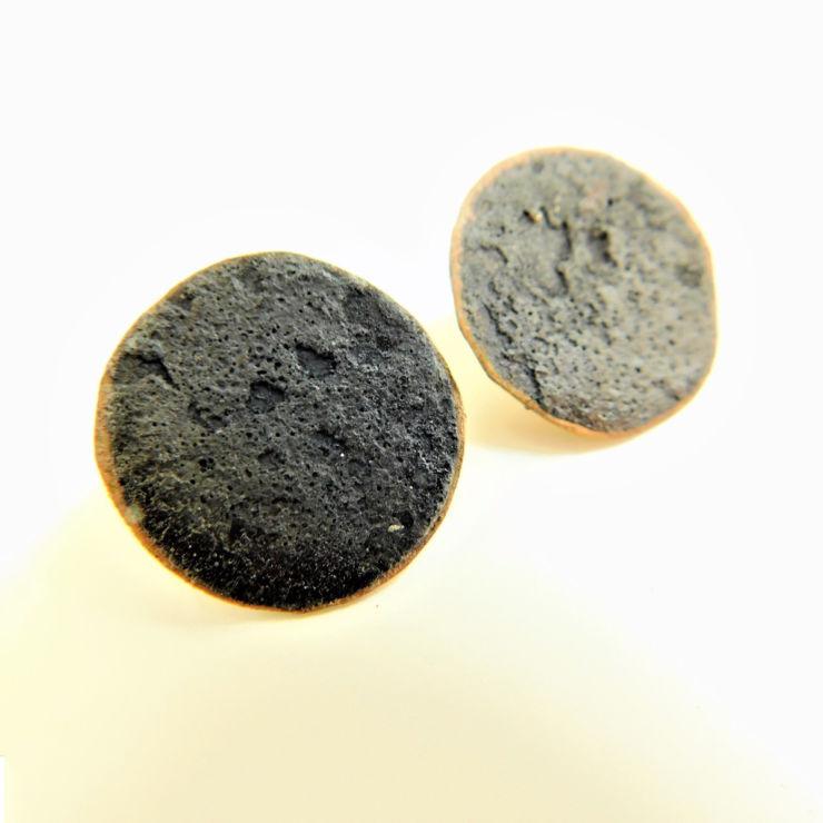 Dora-Charalambaki-earrings-esr215-black