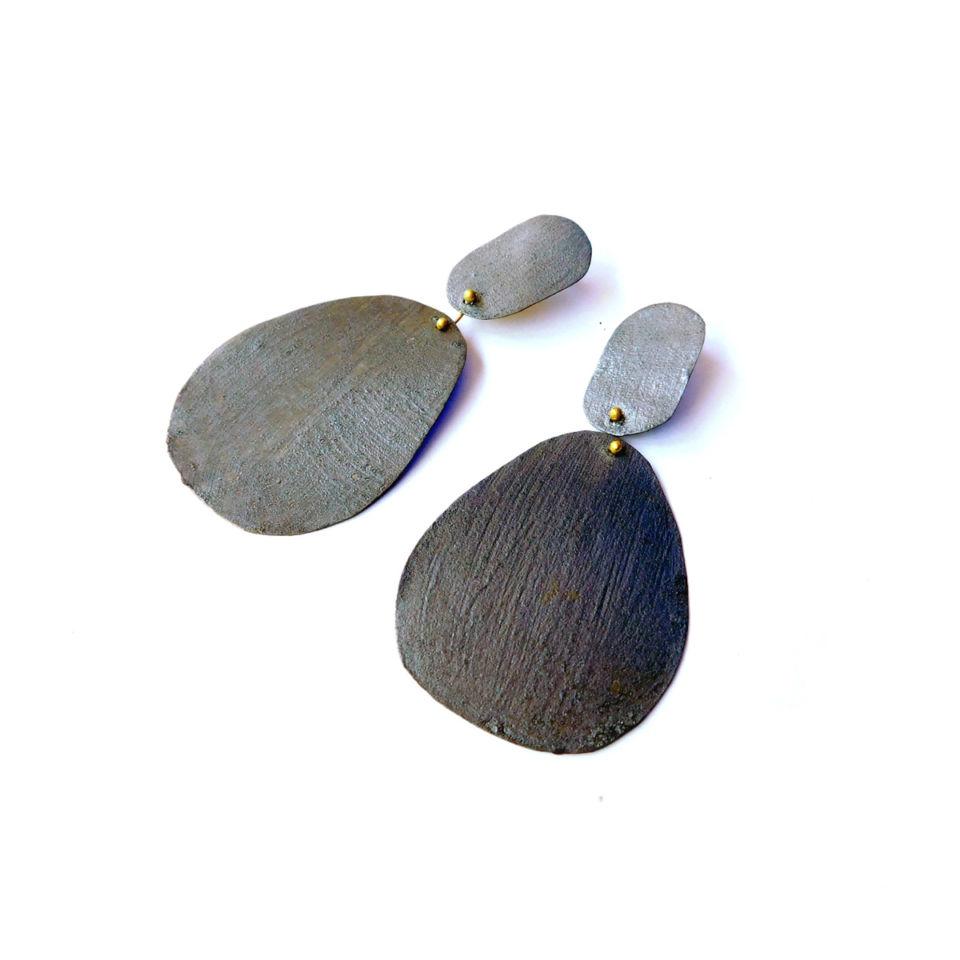 Dora-Haralambaki--earrings-e328-brown