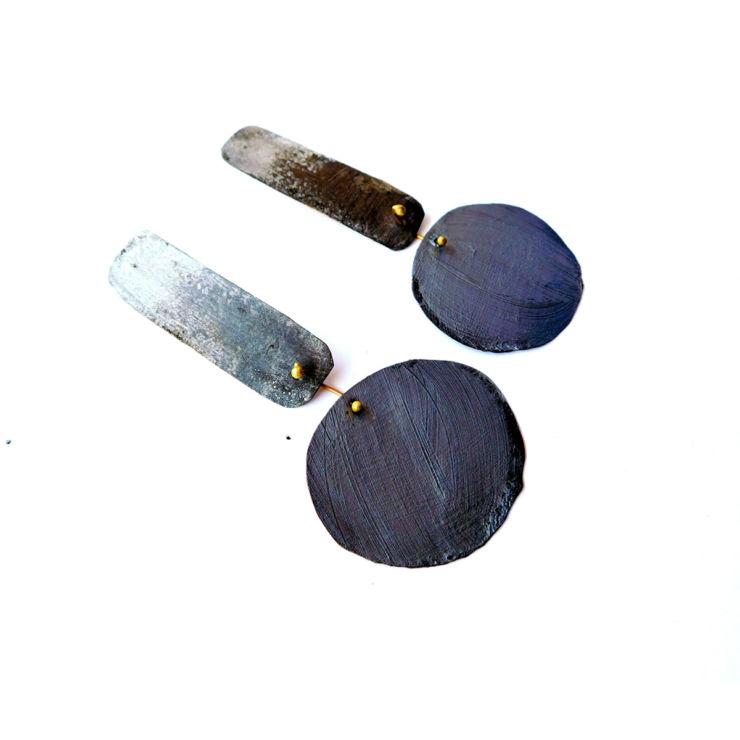 Dora-Haralambaki--earrings-e728-black-and-white