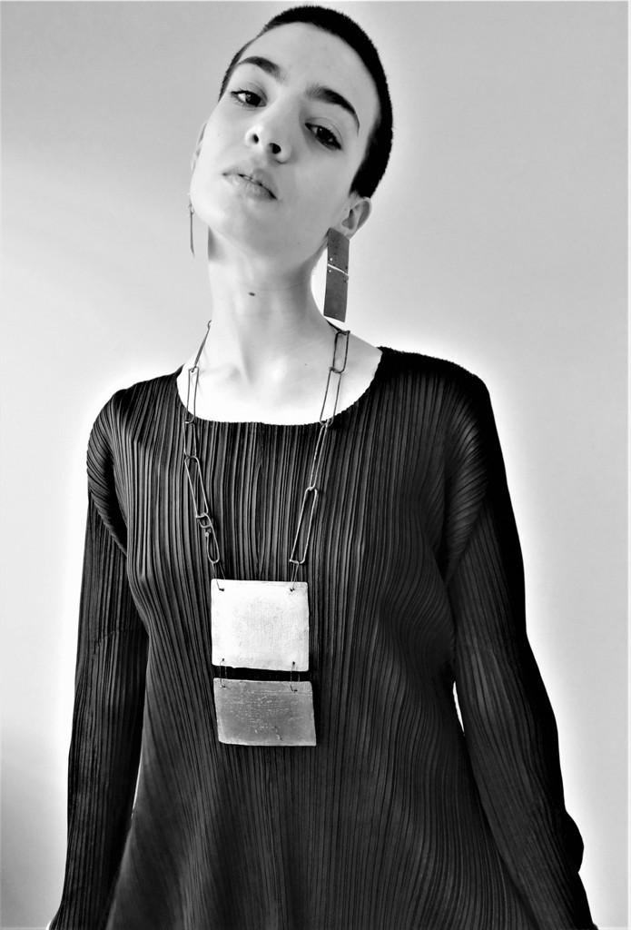 Dora Haralambaki necklace n206